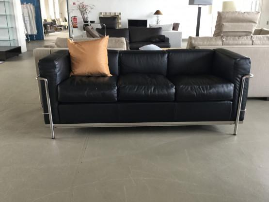 Cassina Sofa LC2