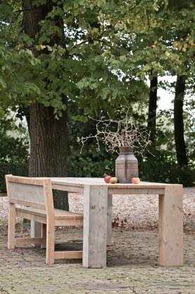Dutchwood Tisch aus Beton- Schalholz