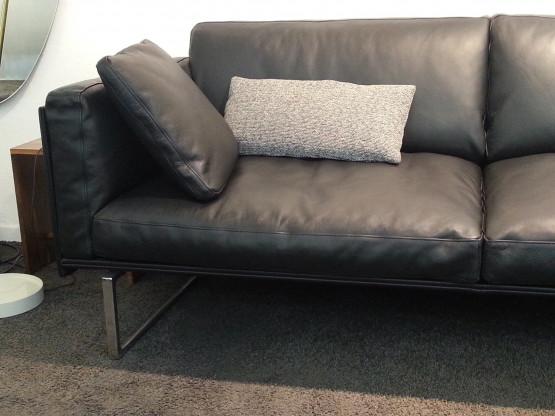 """Sofa """"8"""" von Cassina,  Design: Piero Lissoni"""