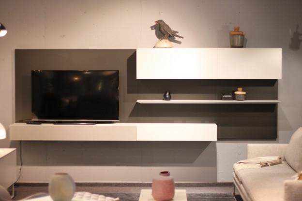 Kettnaker - TV Wand