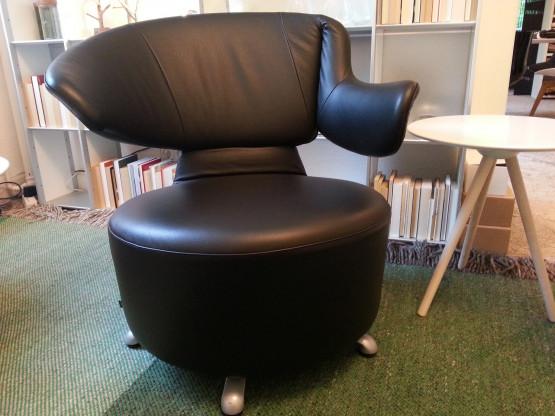 Drehbarer Sessel CANTA - Cassina mit Kopfstütze