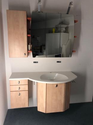 Badezimmer Holzmöbel