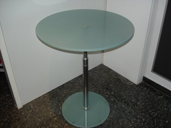 ARKTIS 2 Tisch von D-TEC