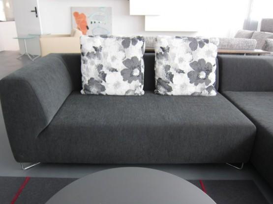 ecksofa alfa stoff schwarz kissen schwarz wei von seefelder designerm bel sindelfingen. Black Bedroom Furniture Sets. Home Design Ideas