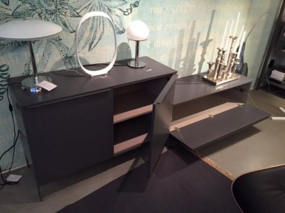 Sideboard auf Füßen Cappellini