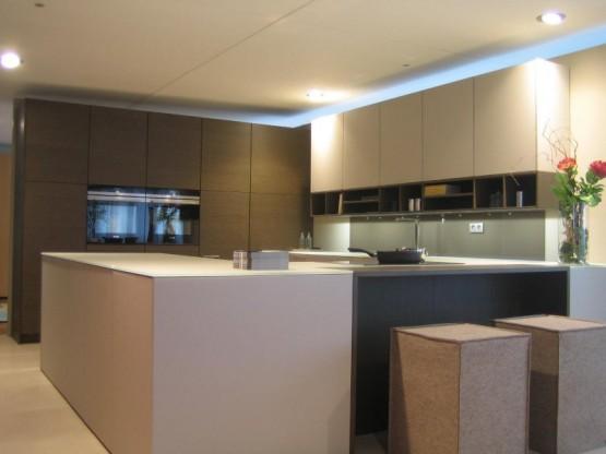 Einbauküche LEICHT Mod. IOS-M/TOPOS
