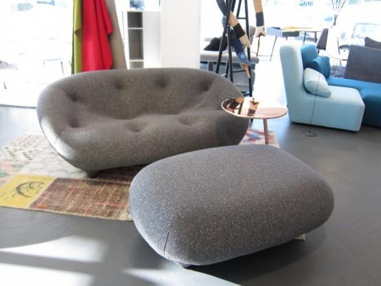 Sofa Ploum 2-sitzig niedrig, Stoff grau-beige von Ligne Roset