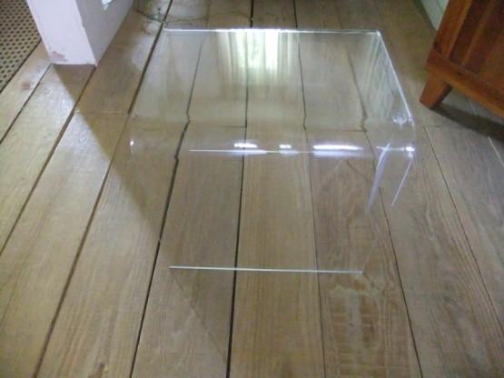 Acrylglastisch