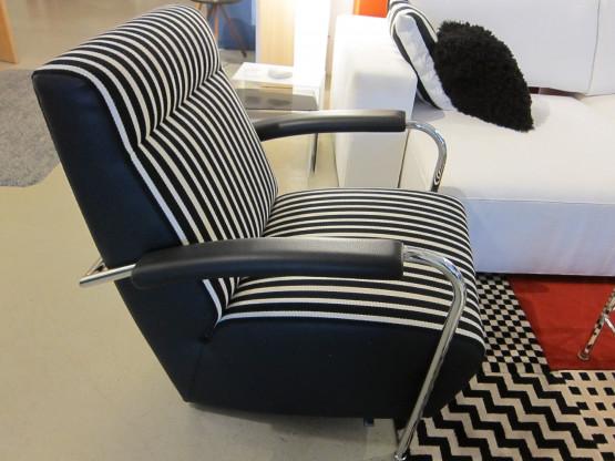 Sessel Scylla von Leolux, Leder schwarz / Stoff schwarz-weiß gestreift