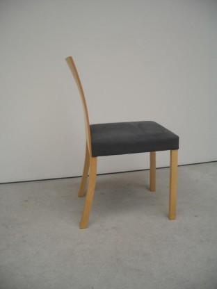 8 UNO Stühle Ahorn mit Microfaser Kvadrat GLOVE 180