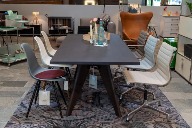 vitra Table Solvay Esstisch Massivholz 220 x 90 cm