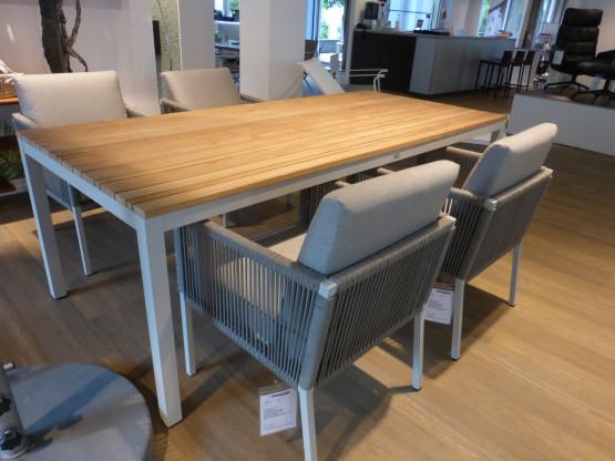 Gartentisch / Esstisch Classic von Solpuri und 4 Stühle CLUB von Solpuri