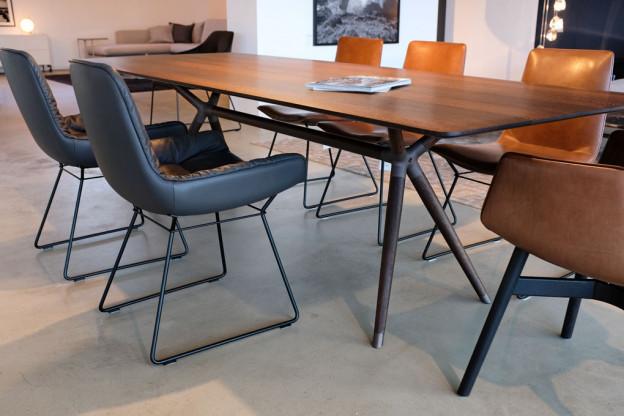 Tisch X2