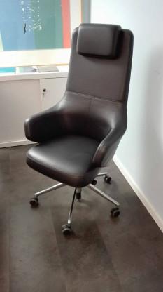 Firma: Vitra; Modell: Grand Executive Highback, Farbe: Leder schwarz