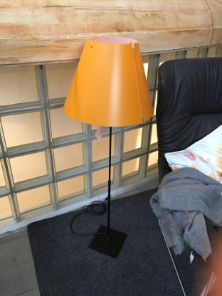 Luceplan - Costanza Leuchte Schirm orange / Gestell sw