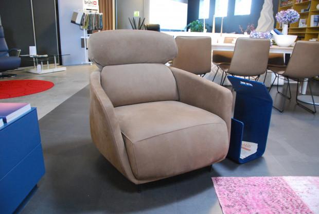 sessel okura von ligne roset designerm bel friesenheim. Black Bedroom Furniture Sets. Home Design Ideas