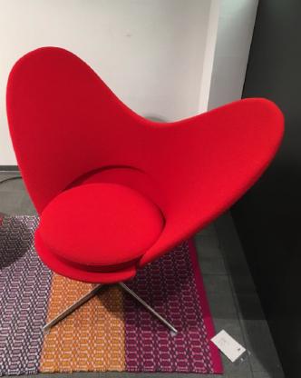 Hersteller: Vitra;  Sessel : Heart Cone Chair; Far...