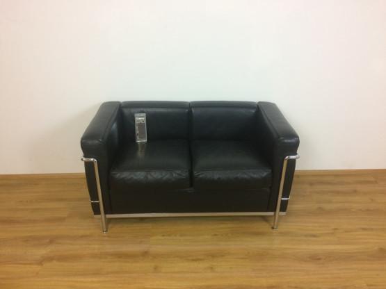 Cassina LC2 Sofa von Le Corbusier