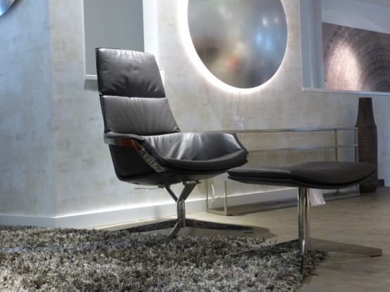 Hochlehnsessel Bond Vin Ip Design Designermobel Aachen