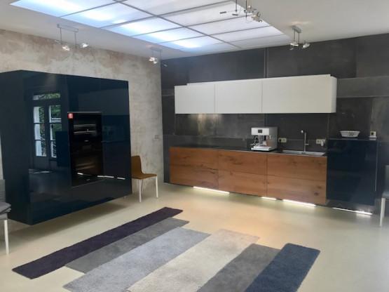 LAGO Design-Küche +++ MIELE-TOP-Ausstattung!!! Au...
