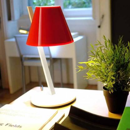 La Petite Tischleuchte von Artemide in rot - neu -
