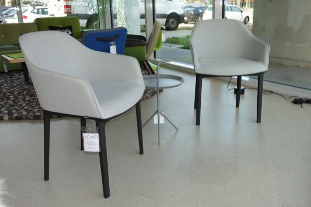 2 x Vitra Softshell Chair