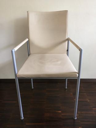 KFF 4 Stühle Nivo