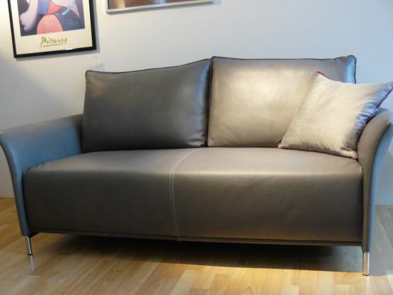 Polstergruppe mit zwei Sesseln aus  hochwertigem Leder