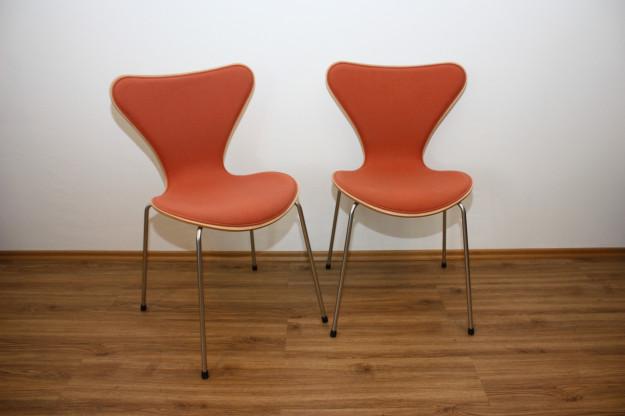 3107 Fritz Hansen Stapelstühle von Arne Jacobsen (8 Stück)