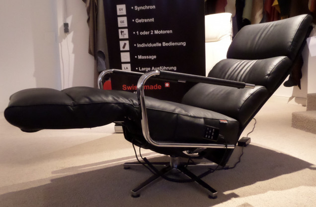 Strässle Relaxsessel Nora mit Massage sowie Sitz- und Rückenheizung