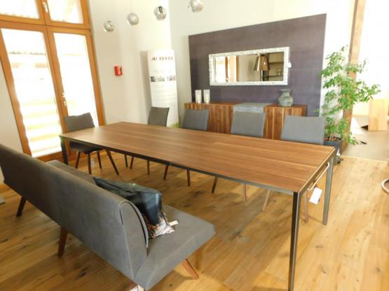Team 7, Tak  Auszug-Tisch mit Metallfüße, Nussbaum
