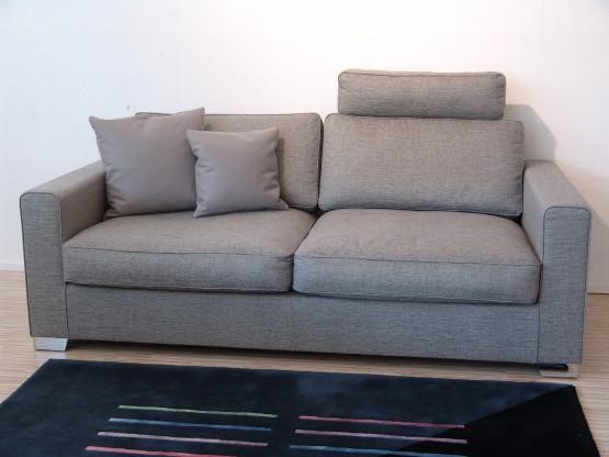 Sofa 2,5 sitzig JON EDWARDS von IP Design