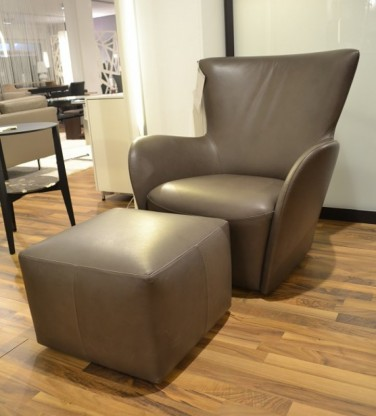 Molteni Sessel mit Hocker Mandrague Leder Grau...