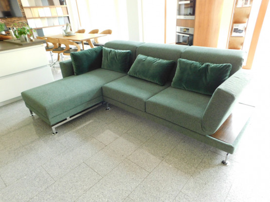Brühl Sofa Moule medium in Stoff grün