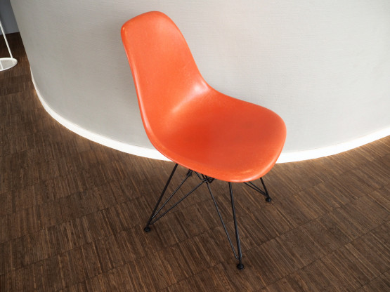 VITRA 5x Eames Fiberglass Chairs DSR orange