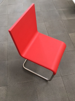 .05 Stuhl Vitra signalrot  (In-/Outdoor)