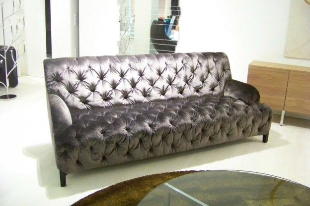 Sofa Divina in grau