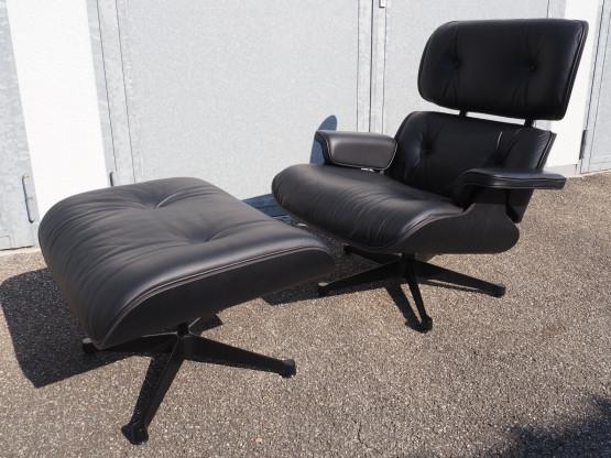 VITRA Lounge Chair - Black Edition