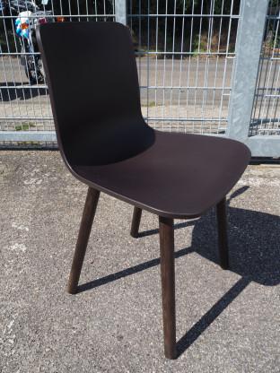 VITRA Stuhl HAL Wood braun - Einzelstück
