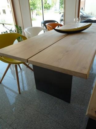 Anrei Esszimmertisch Stamm-Tisch in Asteiche