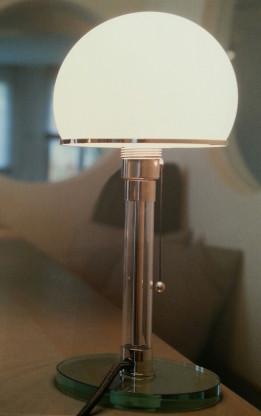 Die original Bauhaus - Leuchte WG 24 von Wagenfeld - Tecnolumen