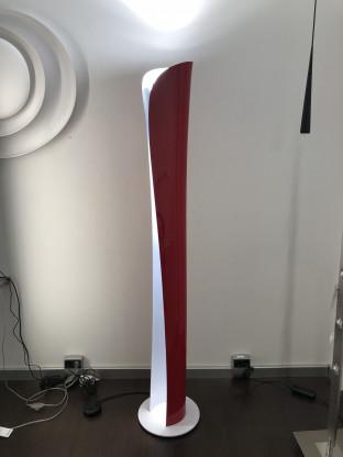 Artemide Stehleuchte Cadmo Terra Halogen in Ferrari Rot