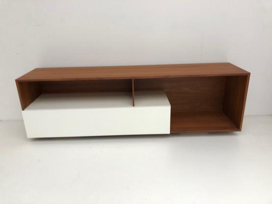 R5 Sideboard 180/42/50cm Nussbaum