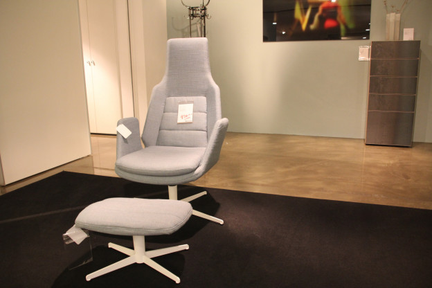 Sessel mit Hocker Sits E1467
