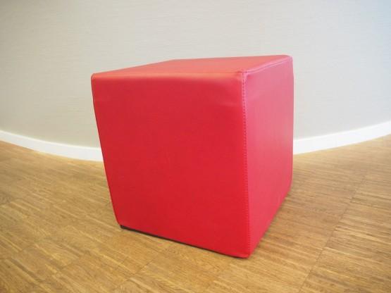 JAN KURTZ Sitzwürfel rot