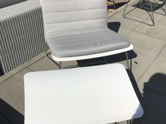 Gartentisch niedrig + Hocker Slim Viteo weiß/grau
