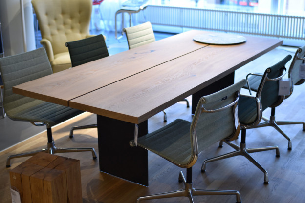 Tisch Tix, Hersteller Zoom