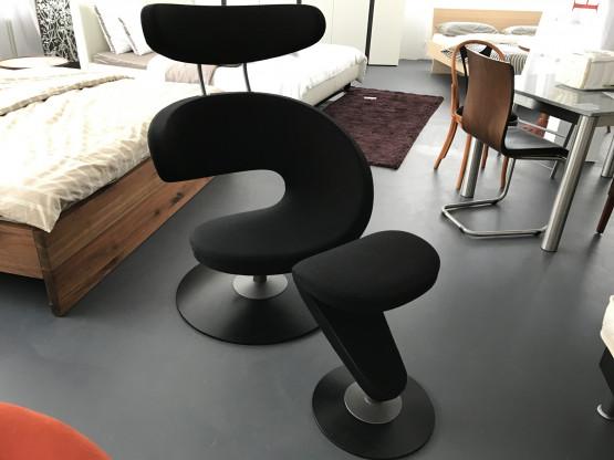 Sessel Peel I mit Hocker von Variér, Stoff schwarz