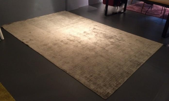 Teppich Live Grid von Miinu