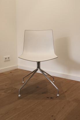 Stuhl Catifa 46 Kunststoffschale – Arper